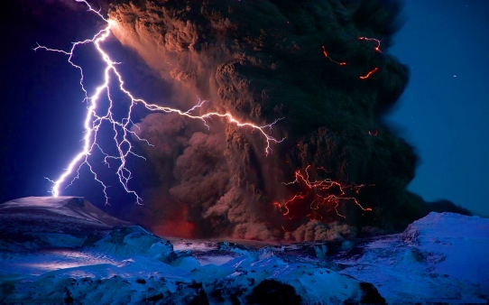 VolcanoLightning