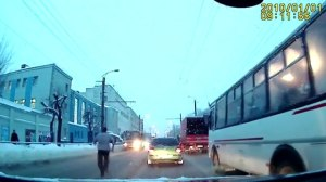 Insurance-Scam-Bus-Fail-Caught-On-Camera