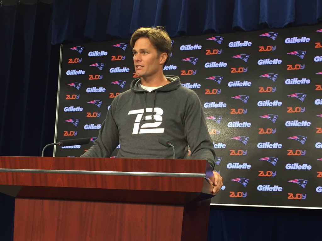 Tom Bradys New Haircut Is Straight 1983 Fire Shoe Untied