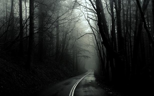 black-and-white-creepy-mystical-photography-favim-com-675507