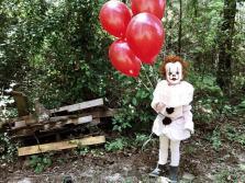 clown-child-photoshoot-movie-it-pennywise-eagan-tilghman-17