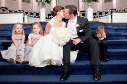 funny-kids-at-weddings-12-59c20fdddda95__700