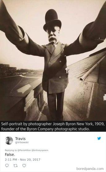 paris-hilton-britney-spears-invented-selfie-12-5a1bed8f30d35__700