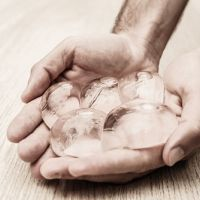 edible-water-bubble-skipping-rocks-lab-9-58ee298f024c6__700