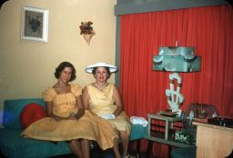 usa-vintage-50s-color-photography-111-5a83f62e5d84b__700