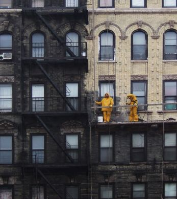 NYC building that was finally power washed.