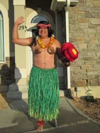 dad-waves-at-school-bus-trolls-son-costumes-245-5b83f13a440f4__700