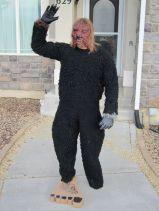 dad-waves-at-school-bus-trolls-son-costumes-5b83e903349fa__700