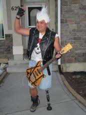 dad-waves-at-school-bus-trolls-son-costumes-5b83e9210a9bd__700