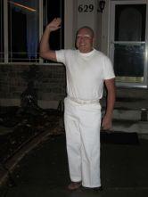 dad-waves-at-school-bus-trolls-son-costumes-5b83e94acbbc5__700