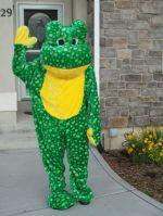dad-waves-at-school-bus-trolls-son-costumes-5b83e9c276c37__700