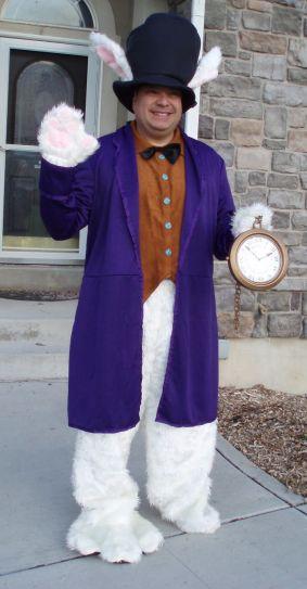 dad-waves-at-school-bus-trolls-son-costumes-5b83ea0d38d57__700